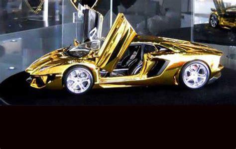 lamborghini   kg  gold  jewels  display