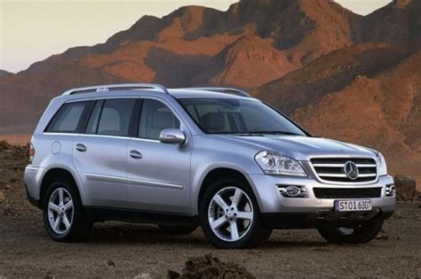 The front passengers get nicely tailored seats, with good. 2012 Mercedes-Benz GL-Class GL450 | Top Suv