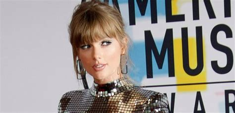 This New Taylor Swift Song Is So Sexy That Her Mum & Dad ...