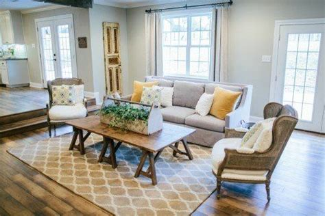 paint colors featured  hgtv show fixer upper