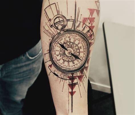tatouage boussole signification emplacements  idees