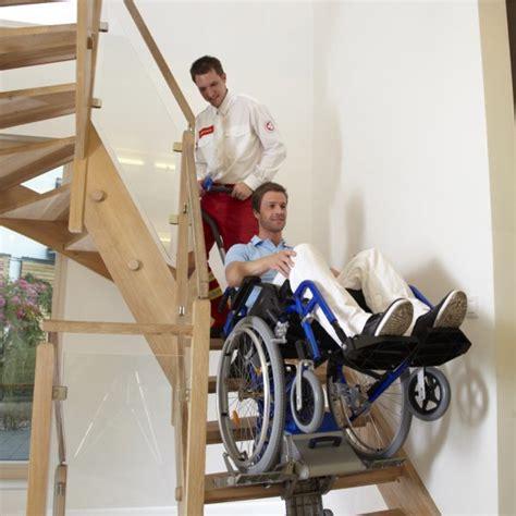 monte escalier manuel pour fauteuil roulant solah alsace