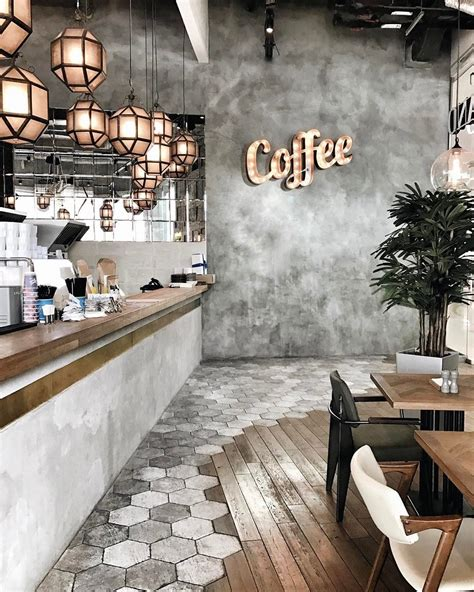 find out how vintage interior design plays in this caf in