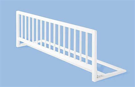 barriere securite lit enfant barri 232 re de s 233 curite en h 234 tre massif laqu 233 blanc pour lit enfant pinolino