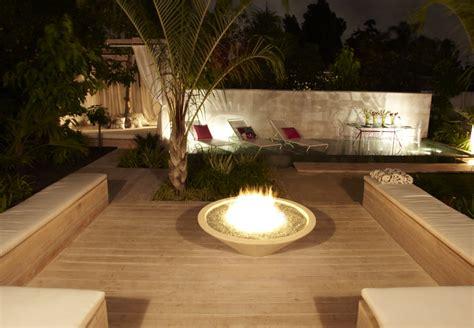 durie design built in benches and firepit jamie durie garden design ideas pinterest gardens terrace