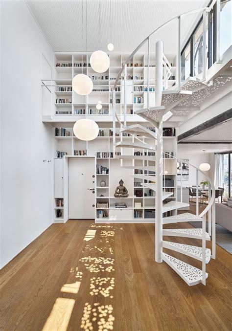 chambre à coucher ancienne moderne et minimaliste design pour cet appartement avec