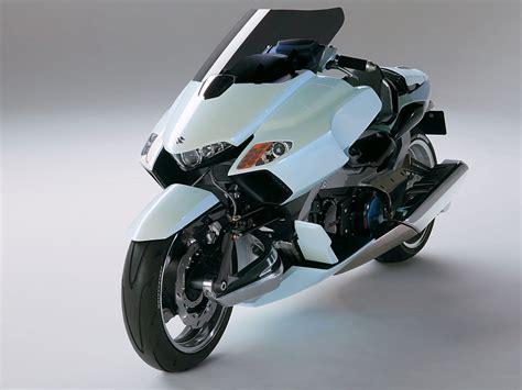 2004 Suzuki Gstrider Concept Motorcycle Desktop Wallpaper