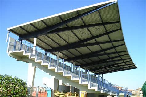 tettoia metallica tettoia metallica a sbalzo per struttura sportiva ocm c