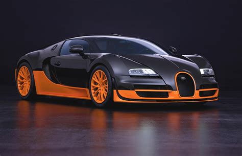 Not only was it incredibly complex, but they also managed to package the entirety of this engine inside a relatively small shell. Bugatti Veyron Legends - The Modern-Day Hyper Sports Car