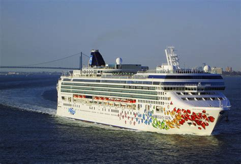 Cruise Ships In New York | Fitbudha.com