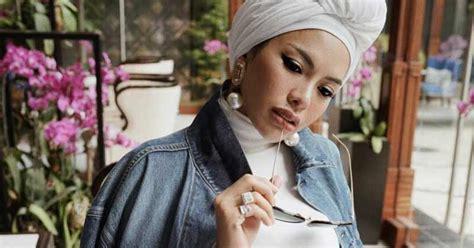 Nikita Mirzani Tak Lagi Sungkan Pamer Foto Tanpa Hijab