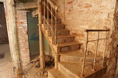 Gambar : kayu, rumah, lantai, balok, pondok, kamar, tangga