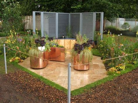 Simple Backyard Design For Wonderful House