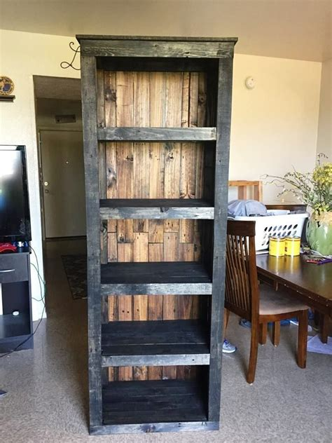 pallet shelving tower bookcase  easy diy pallet