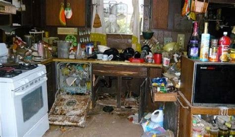 bahaya kesehatan  kondisi rumah kotor  kumuh