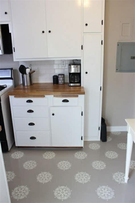 kitchen floor paint ideas poser du lino dans votre demeure id 233 es en photos 4792