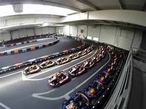Piste De Karting : la piste de karting indoor en bretagne bretagne karting rennes cap malo ~ Medecine-chirurgie-esthetiques.com Avis de Voitures