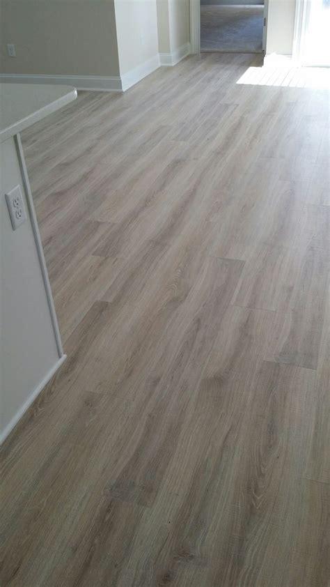 mohawk rustic legacy sandcastle oak laminate flooring flooring hardwood floors tiles