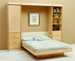 schrankbett mit sofa klappbetten 5 praktische und platzsparende einrichtungsideen