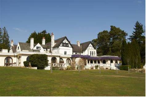 Malara Cottage Hotels Accommodation Near Chessington World Of Adventures