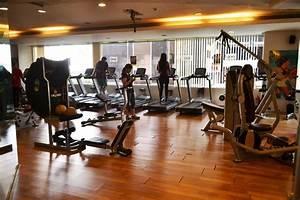 Golds Gym Powai, Mumbai | Membership Fees Facilities ...