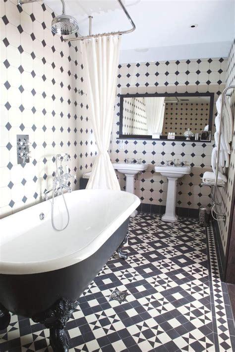 Kitchen Ceramic Tile Ideas - black and white bathrooms design ideas