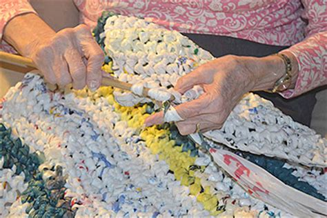 plastic bag mats a growing national trend turns plastic bags into bedding