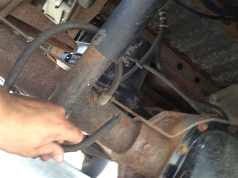 ford  rubber tube hanging  rear axle ford