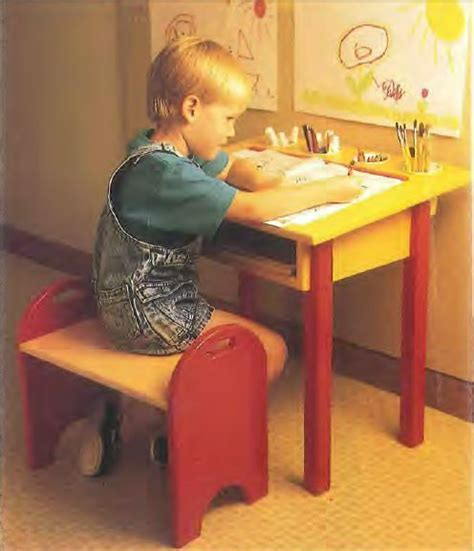 Child's Desk and Bench Plans   Woodwork City Free