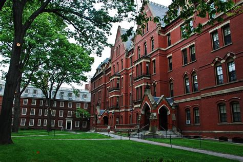 Harvard University Offers Free Tuition To Low Income