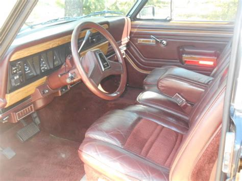 jeep burgundy interior 1988 jeep wagoneer grand wagoneer 4x4 quot classic black with