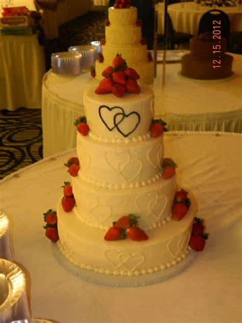 customizing  cake