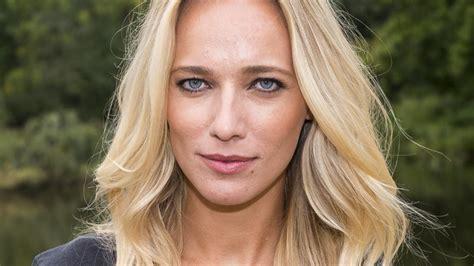 anniek pheifer zwanger jennifer hoffman in online dramaserie van linda tv nu