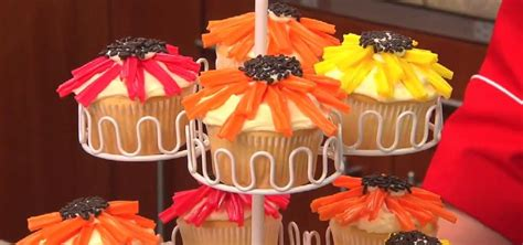 flower power cupcakes  candy decorations