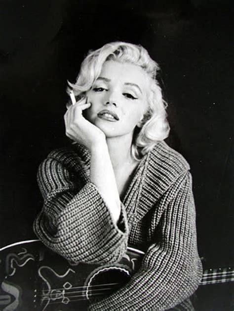 Marilyn Monroe Back When Smoking Was Cool Go Figure