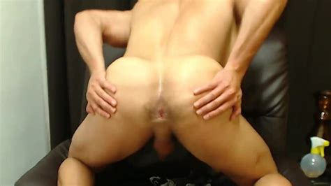 Sexy Latino Spreads His Smooth Ass
