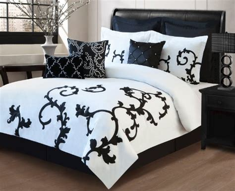 White And Black Bedding by Black And White Bedroom Ideas The Home And Garden Cafe