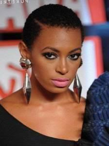 Coupe Courte Femme Noire Visage Rond : coupe de cheveux courte femme noire visage rond coiffures la mode de cette saison ~ Melissatoandfro.com Idées de Décoration
