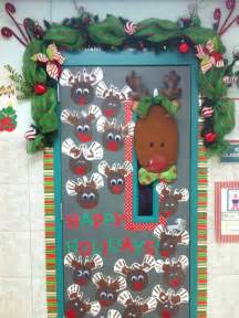 happy holidays reindeer classroom door decoration