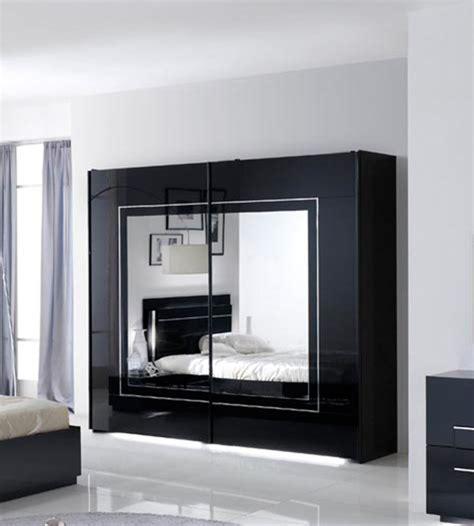 d馗oration chambre noir et blanc chambre a coucher noir et blanc chambre a coucher couleur mauve with chambre a coucher noir et blanc dco noir et blanc avec touches de couleur