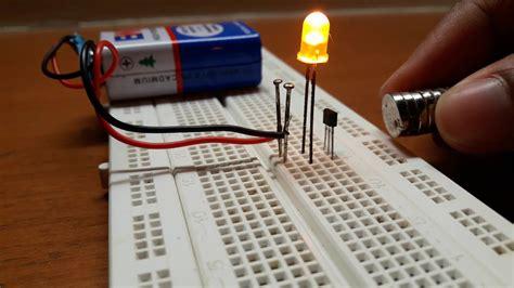 magnet polarity detection circuit