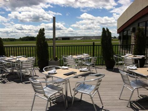 restaurant dining connecticut airport ct oxford spots most patio area bests delicious gorgeous tops connecticutmag planes land