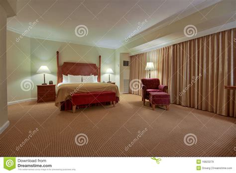 les chambre coucher chambre à coucher avec le rideau images libres de droits