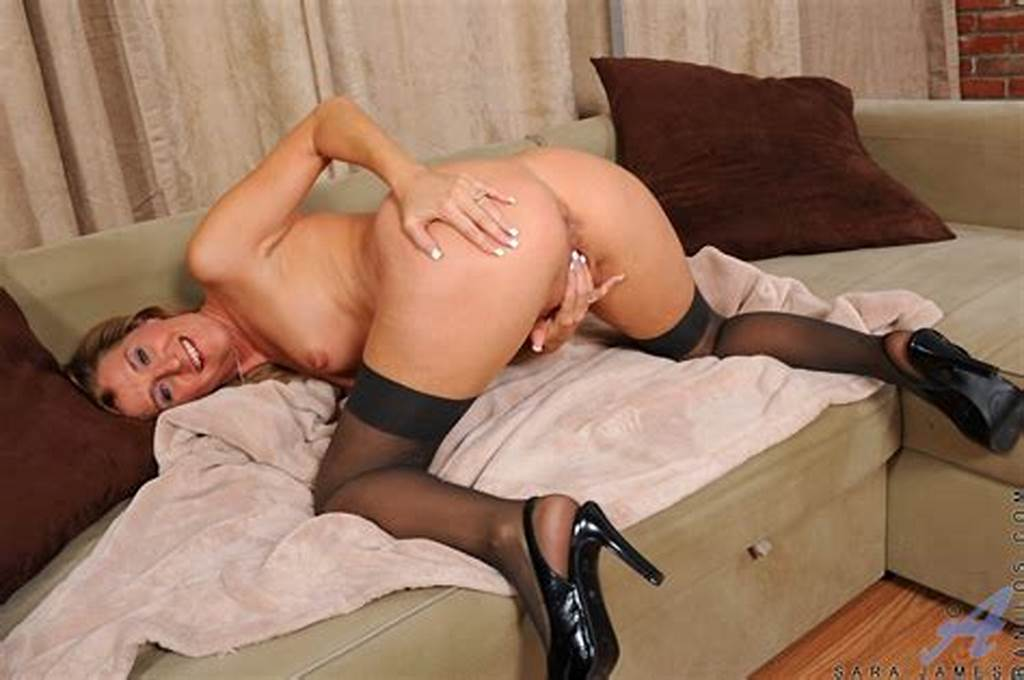 #Anilos #Milf #Sara #James #Fondles #Her #Fuck #Hole #And #Drills