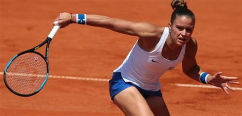 Maria Sakkari advances to second round of Wimbledon ...