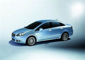 2009 Fiat Linea Photos  Informations  Articles