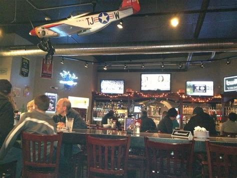 flight deck rochelle il lively place with a great feel and food