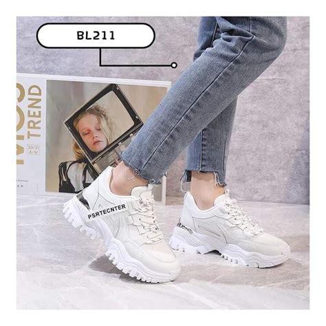 Botes, balti brīvā laika sieviešu apavi - Sieviešu brīvā ...
