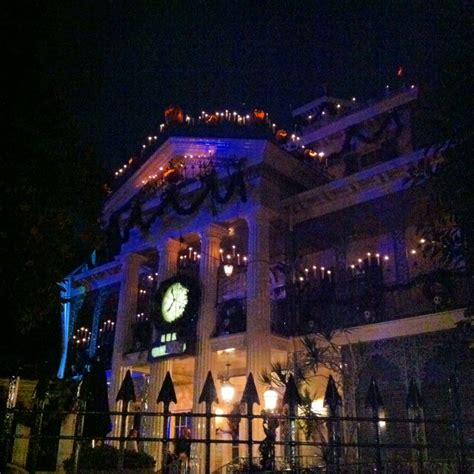 Disney Sisters The Disney Haunted Mansion Moves To Club