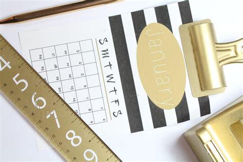 black  gold printable desk calendar everyday
